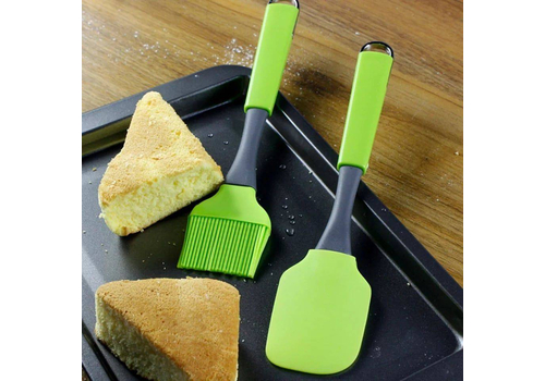 CAKE SPATULA AND OIL BRUSH SET